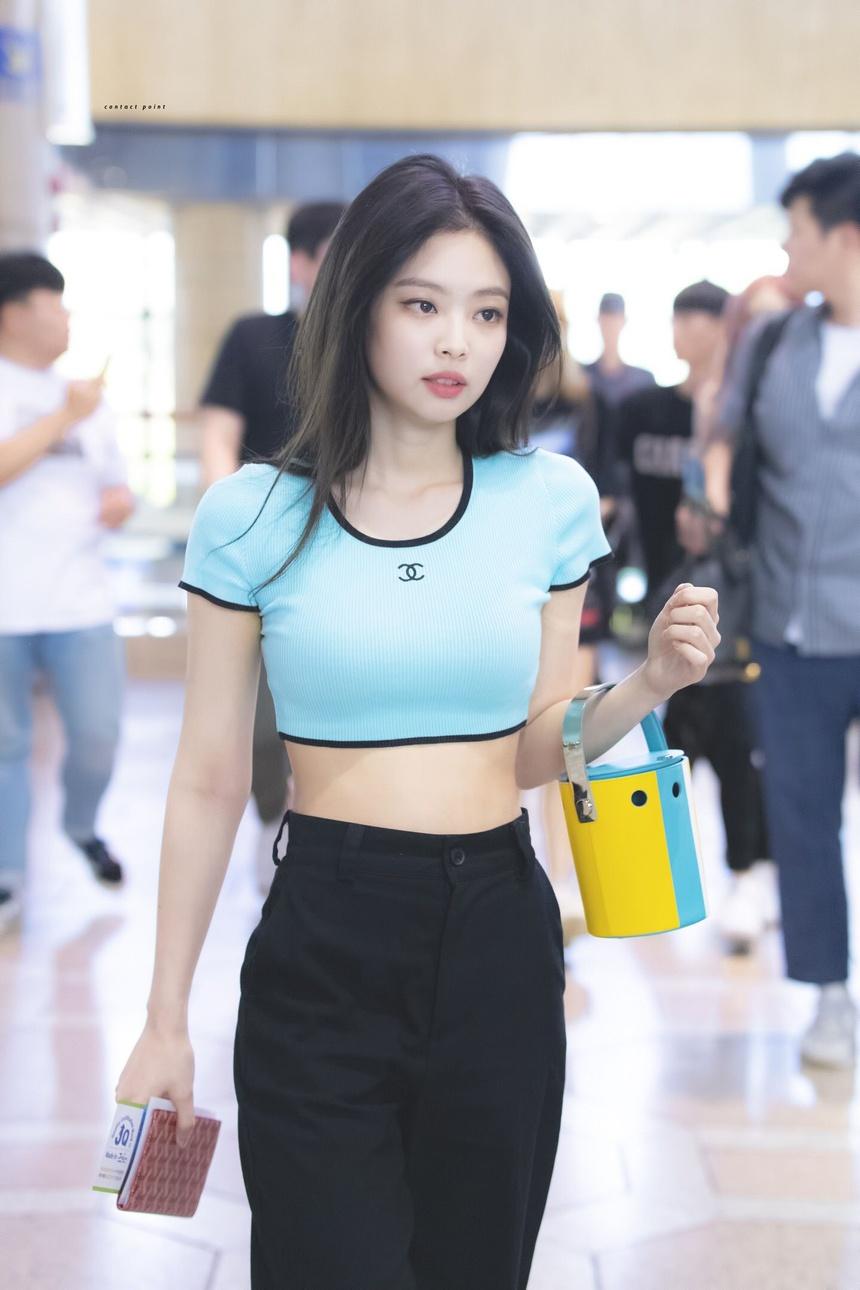 Jennie Kim Crop top