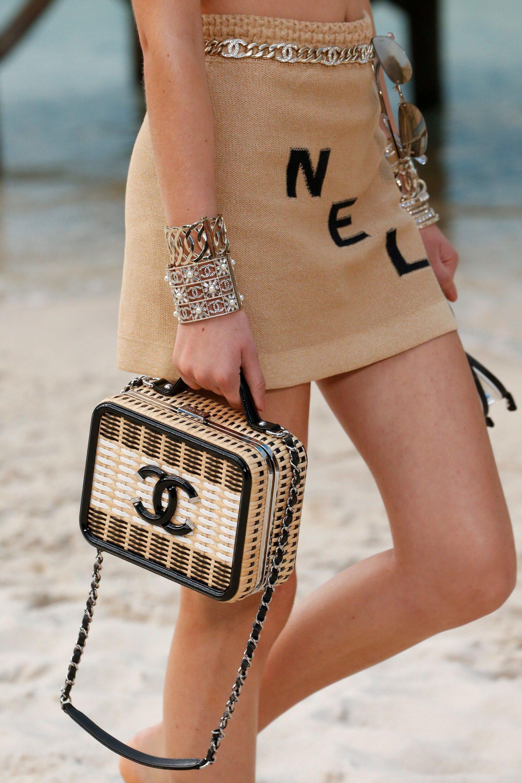 Túi Chanel cói
