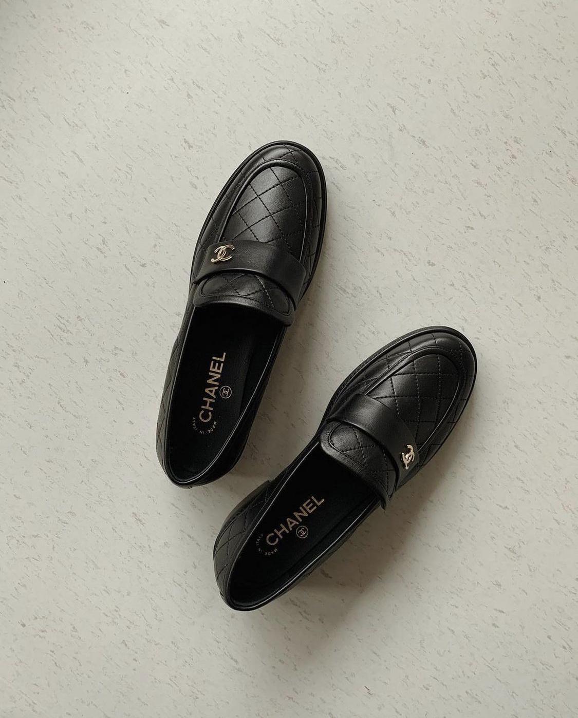 Giày lười Chanel