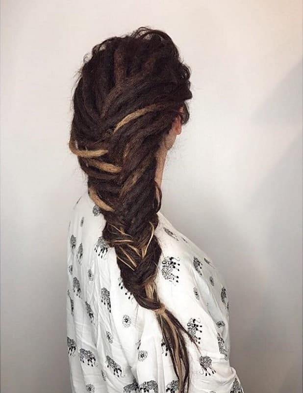 Kiểu tóc 12. Dreadlocks with Fishtail Braids