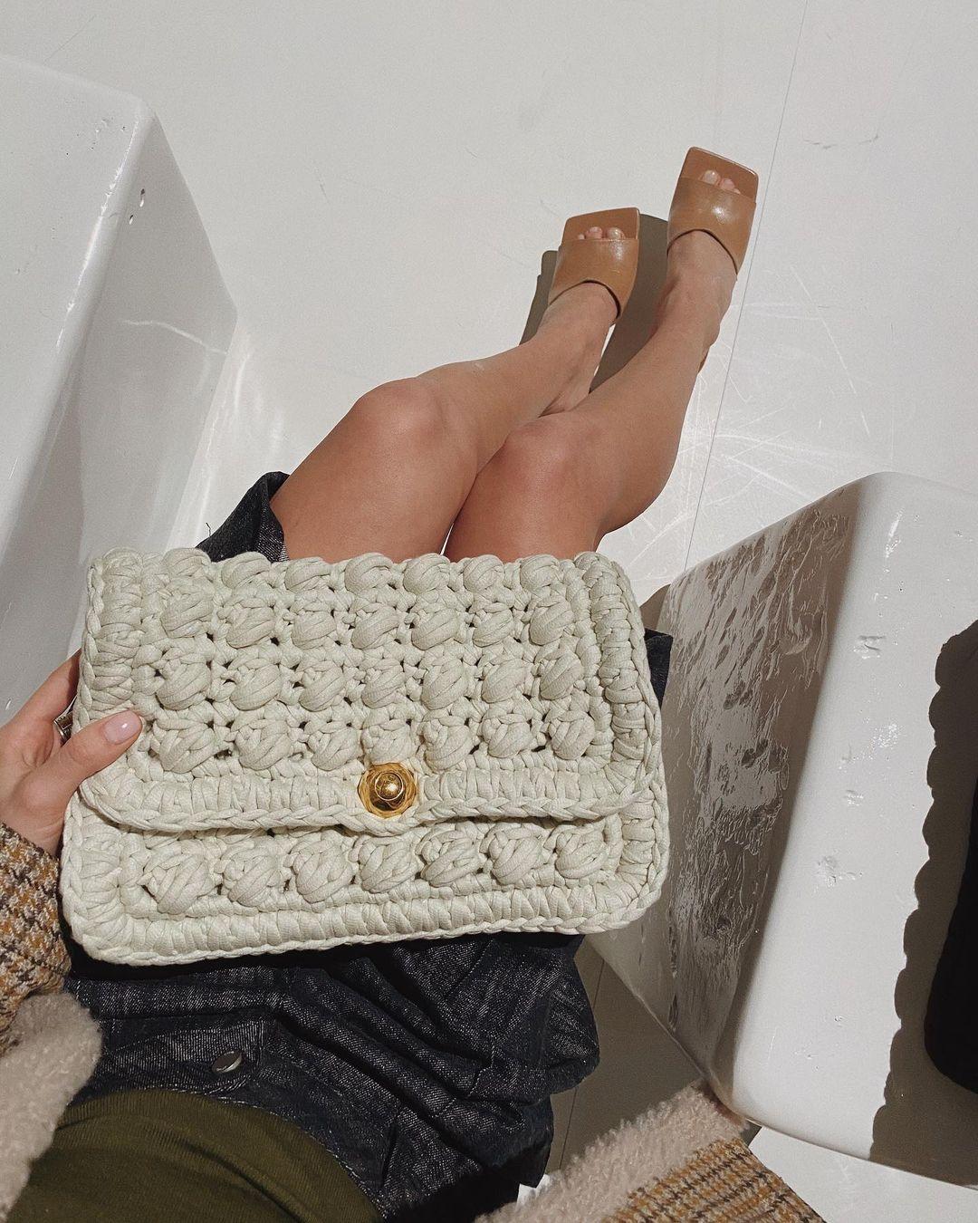 túi xách bằng len đan móc Gen Z