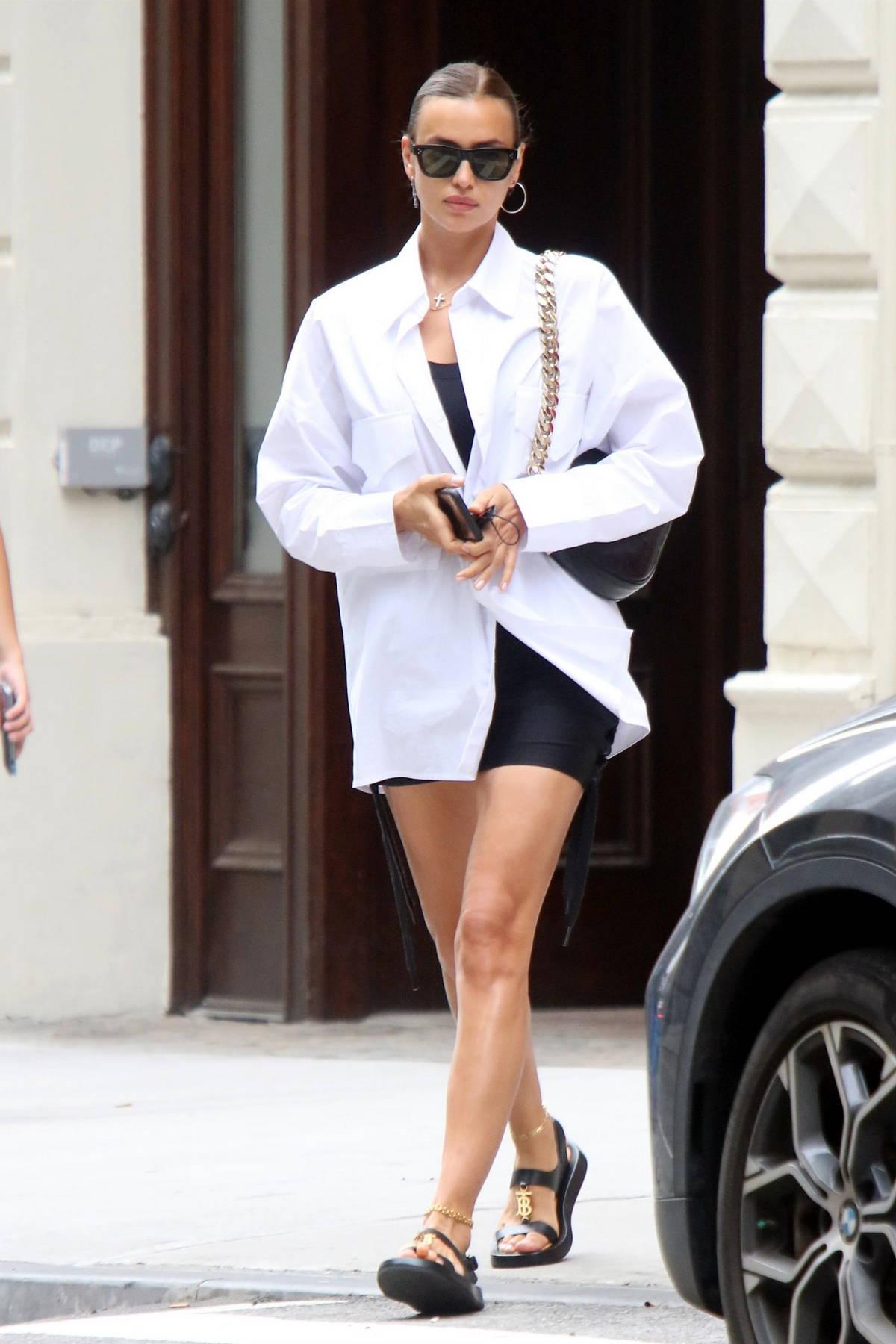 Irina Shayk thời trang đường phố