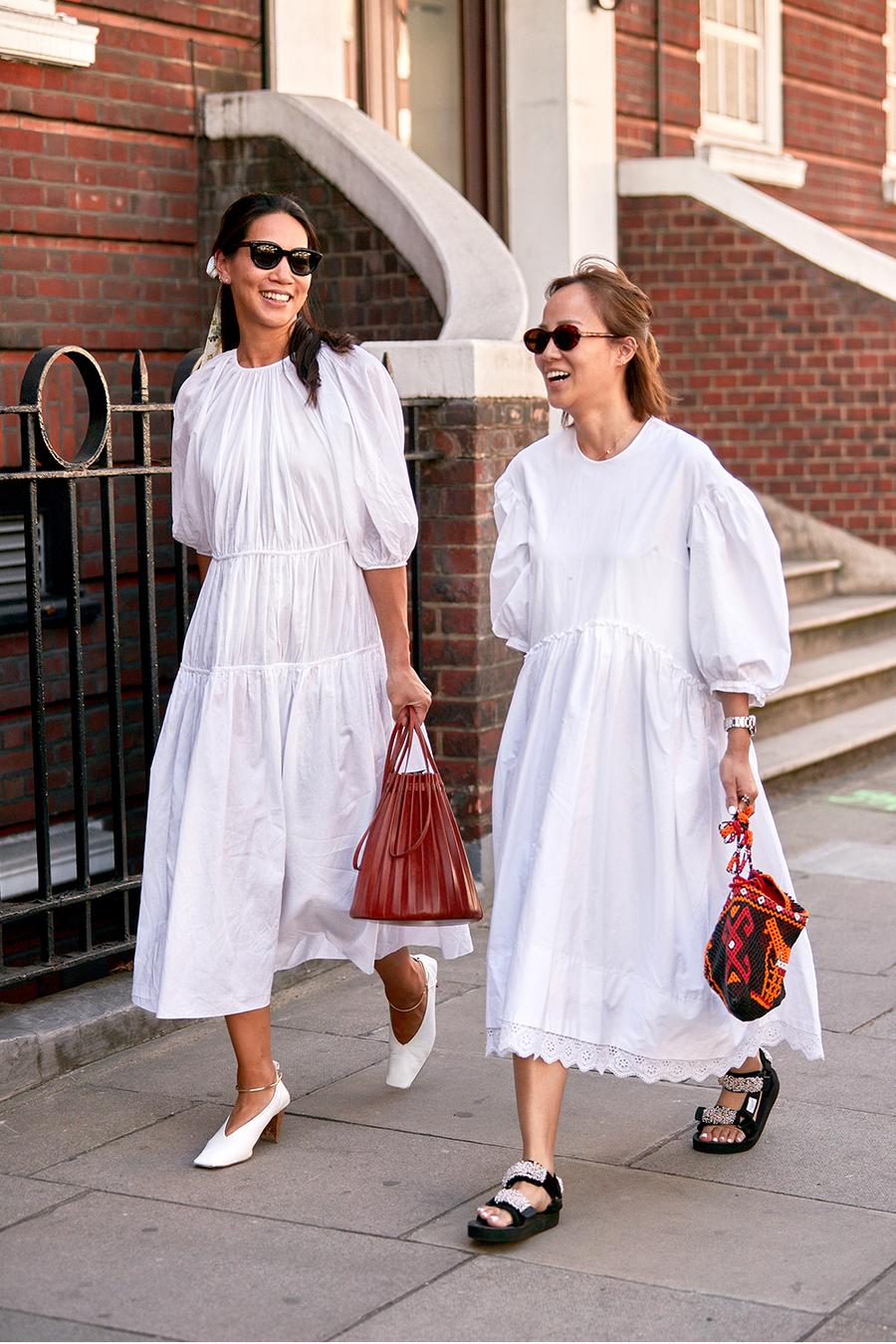 Đầm phồng màu trắng