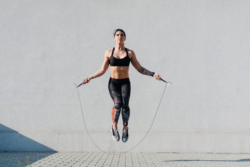 Giảm cân nhanh cùng động tác nhảy dây