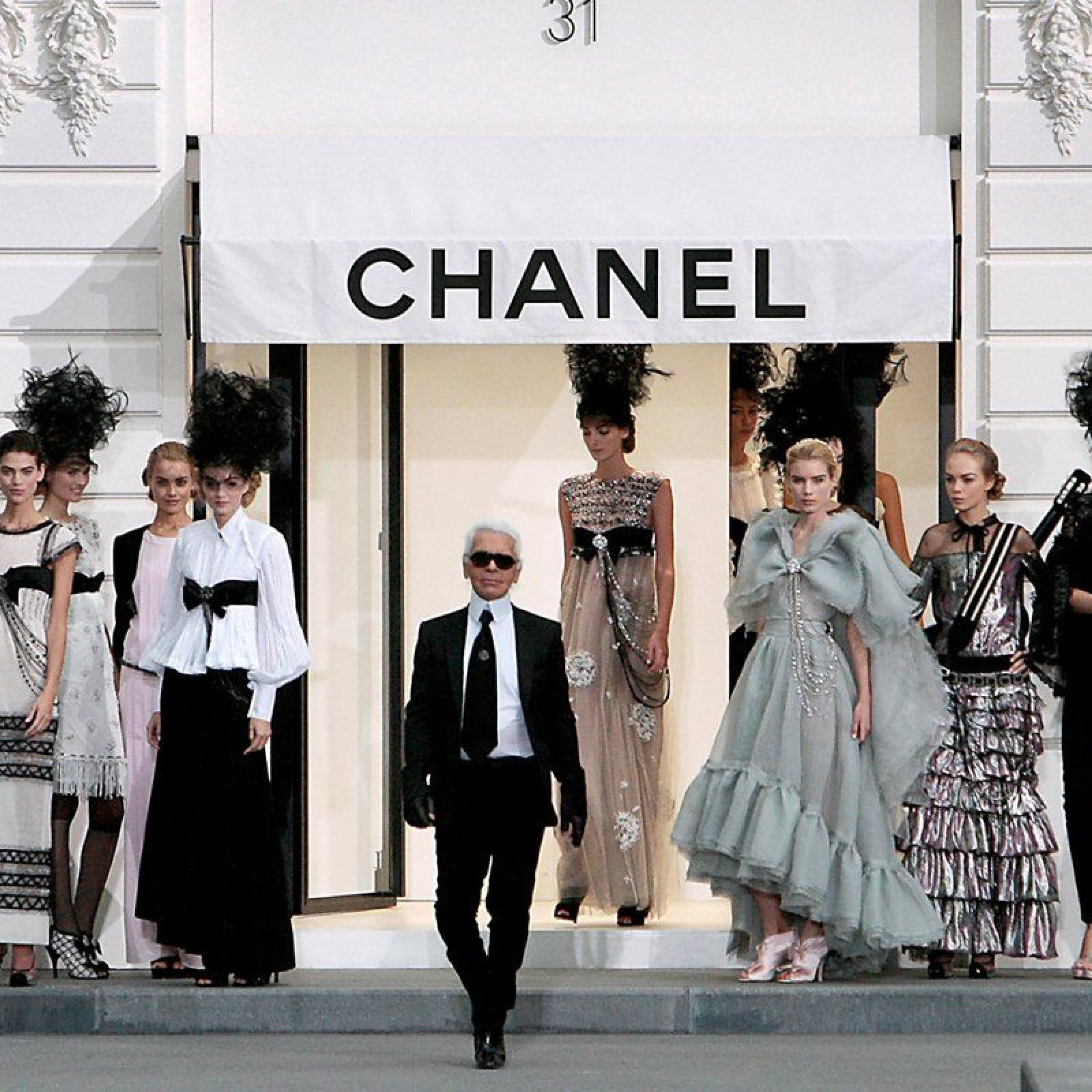 Karl Lagerfeld show Chanel
