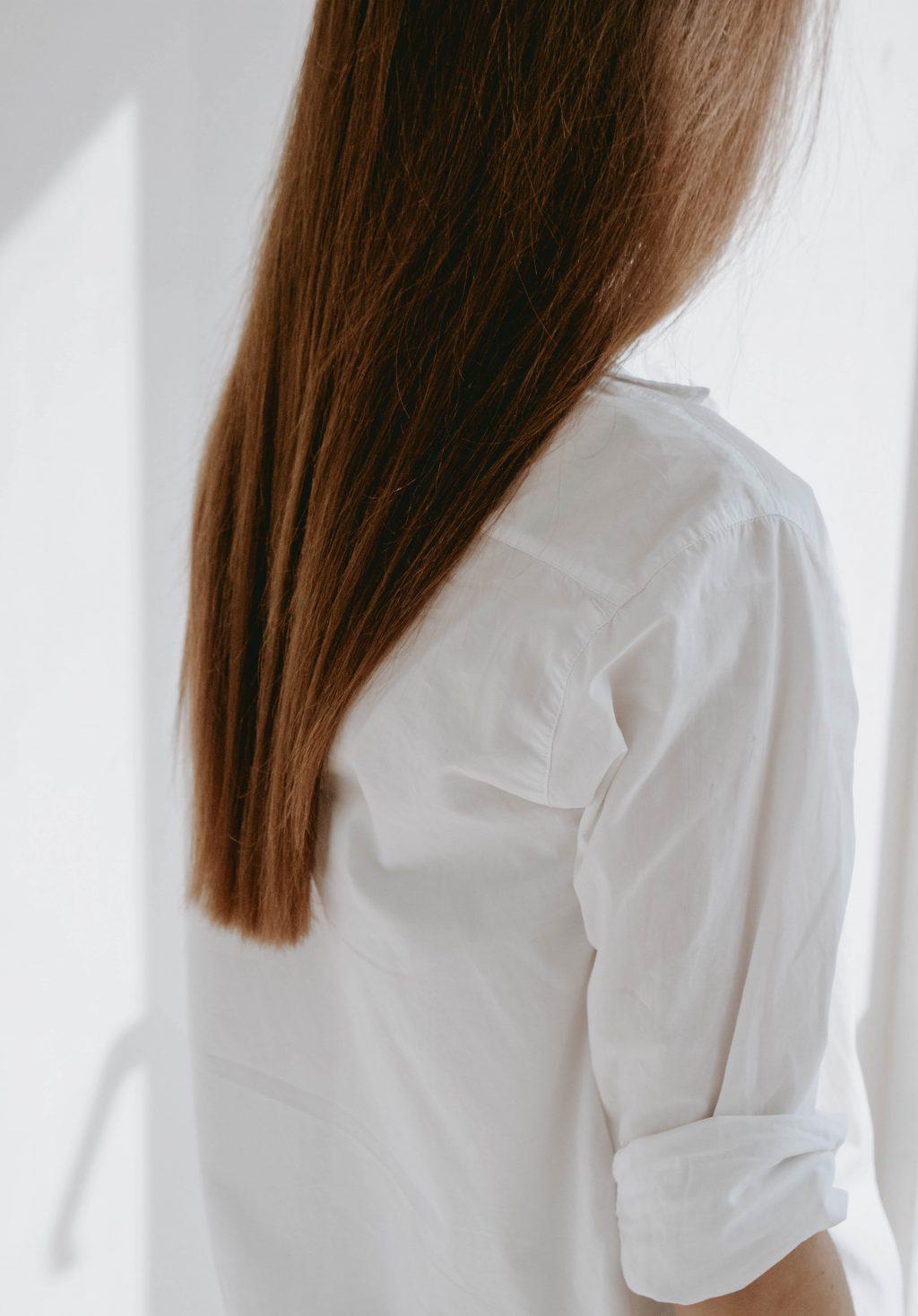 Tóc cũng trải qua quá trình lão hóa.