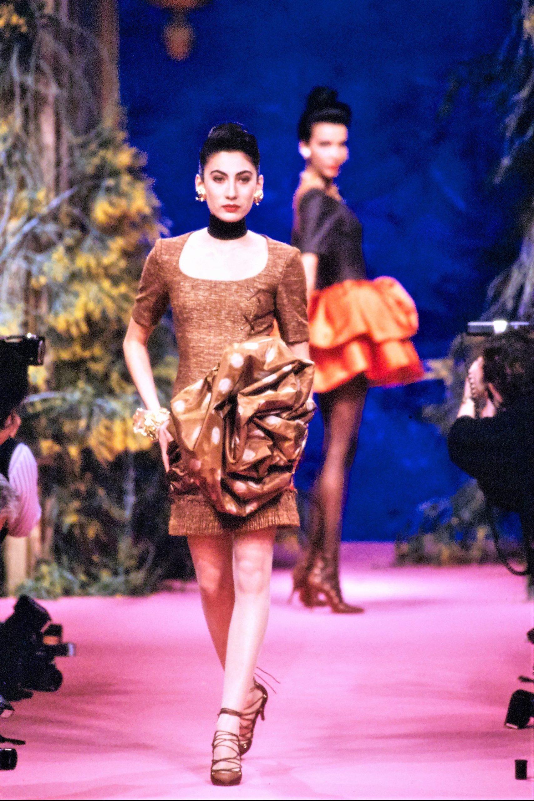 Ánh Dương sàn diễn thời trang Christian Lacroix