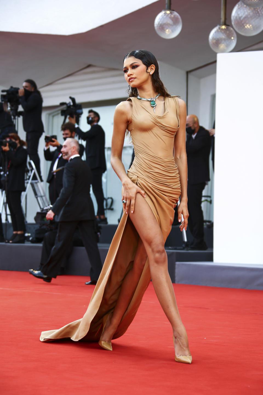 Zendaya Balmain red carpet fashion