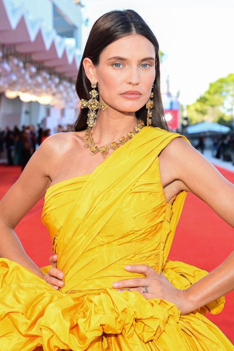 Phong cách trang điểm Bianca Balti.