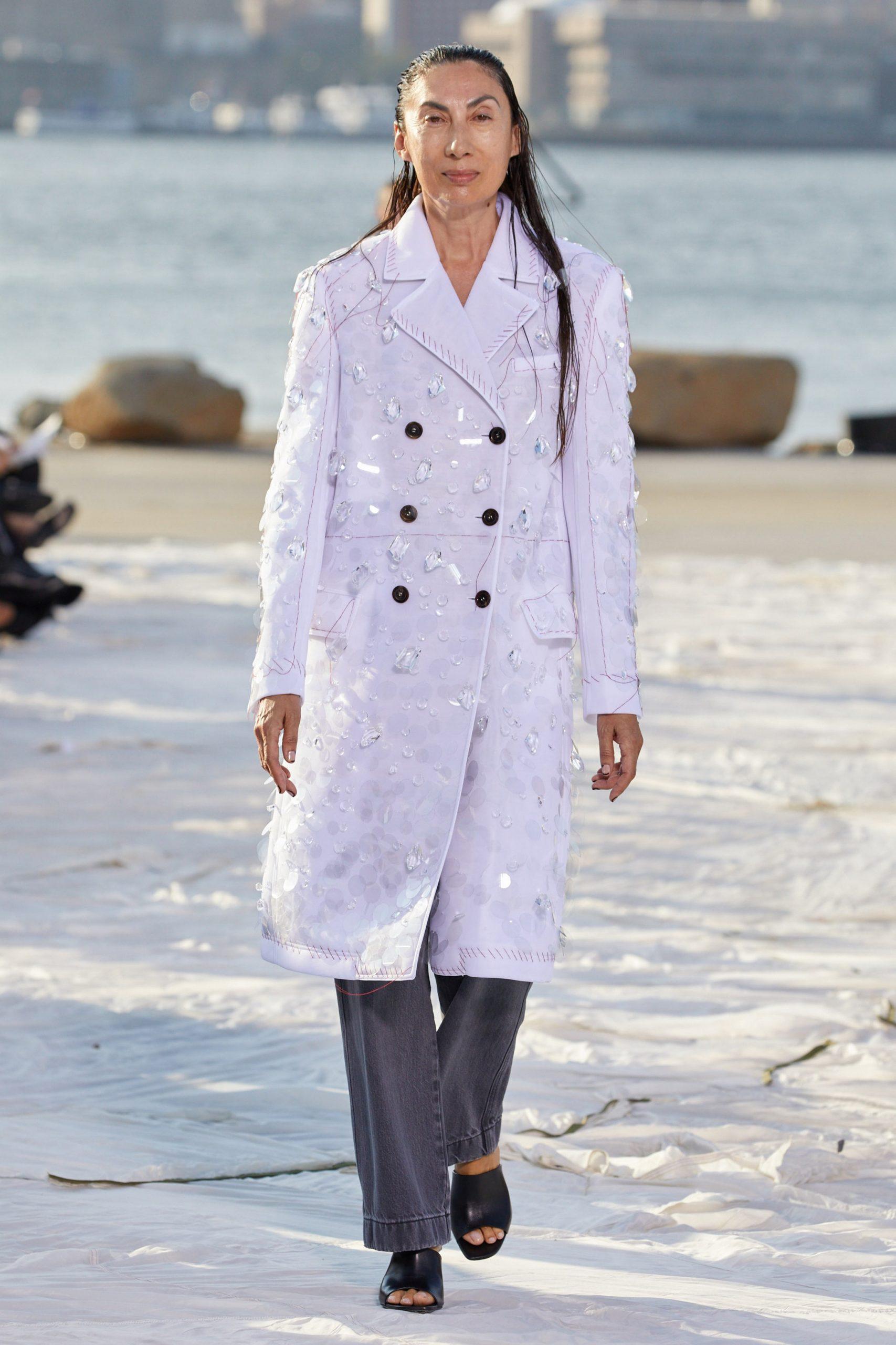 Ánh Dương trench coat