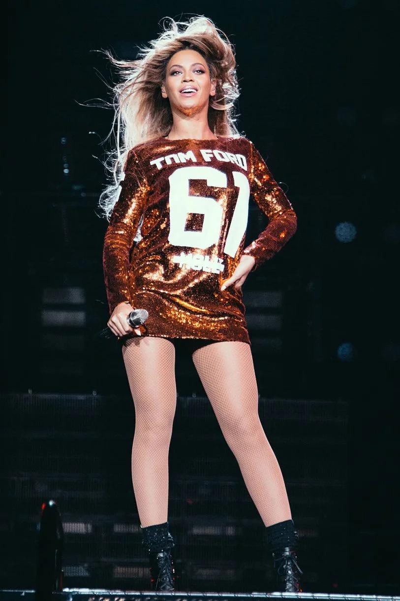 thời trang của Beyonce kết hợp cùng Tom Ford