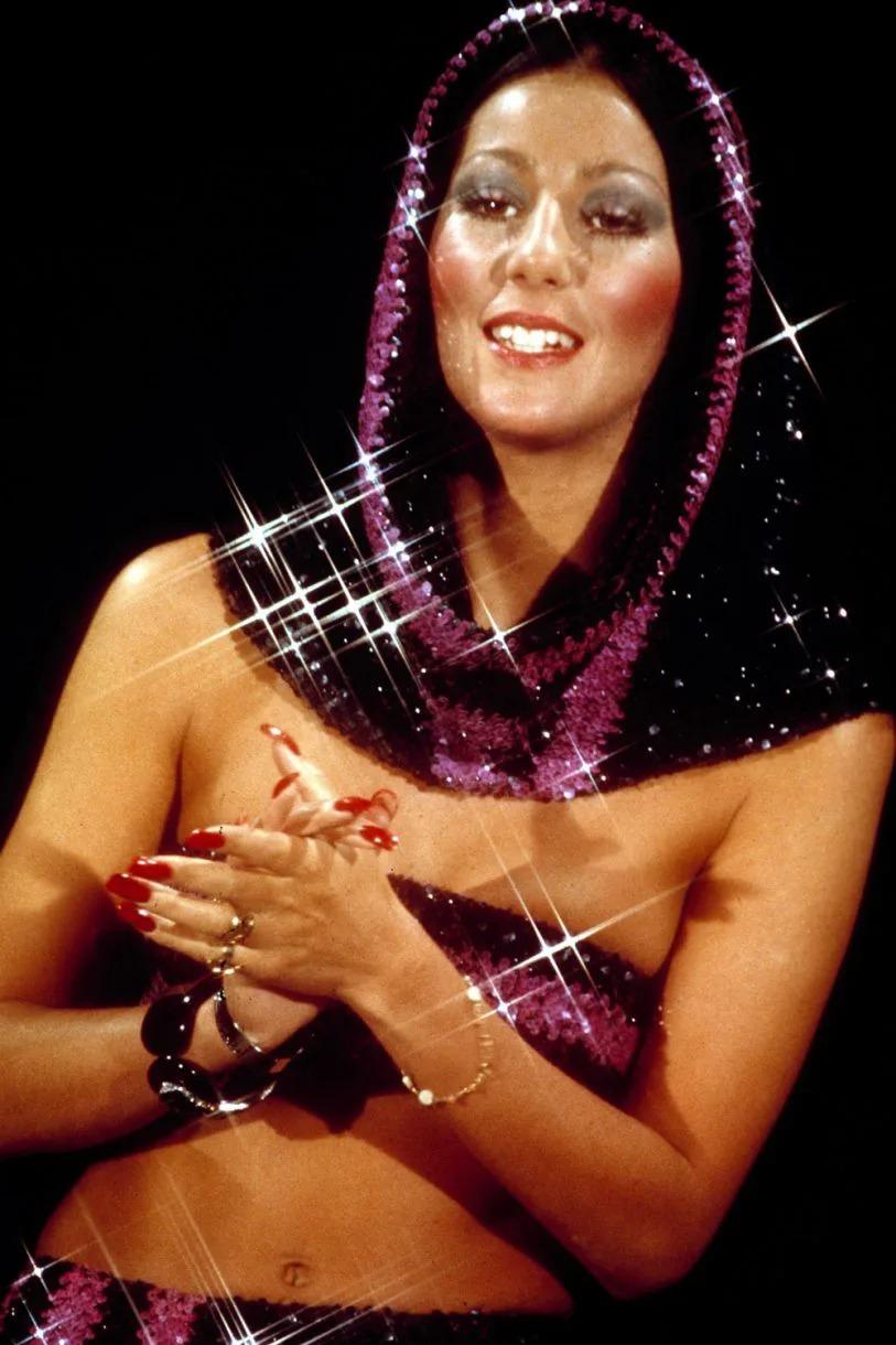 Thời trang Cher 1970s sequin