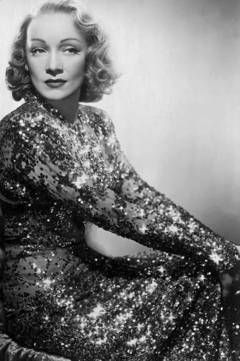 Marlene Dietrich váy ảo ảnh