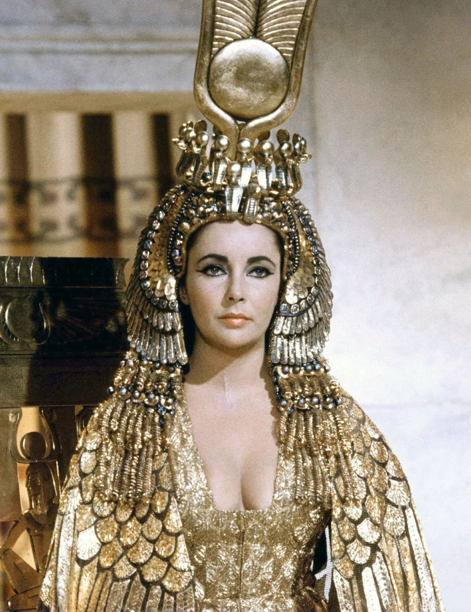 thời trang pharaon sequin