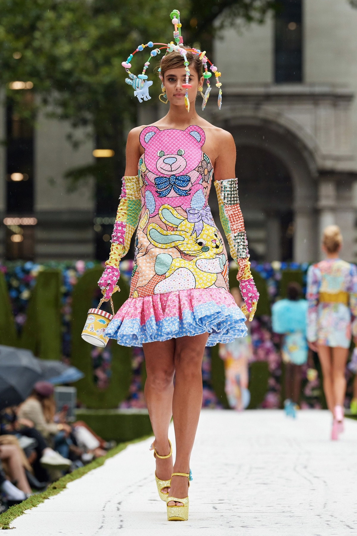 Taylor Hill Moschino