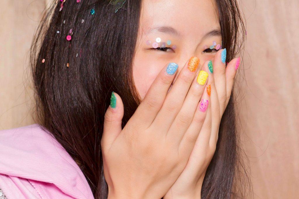 màu nail đẹp cho phụ nữ châu Á