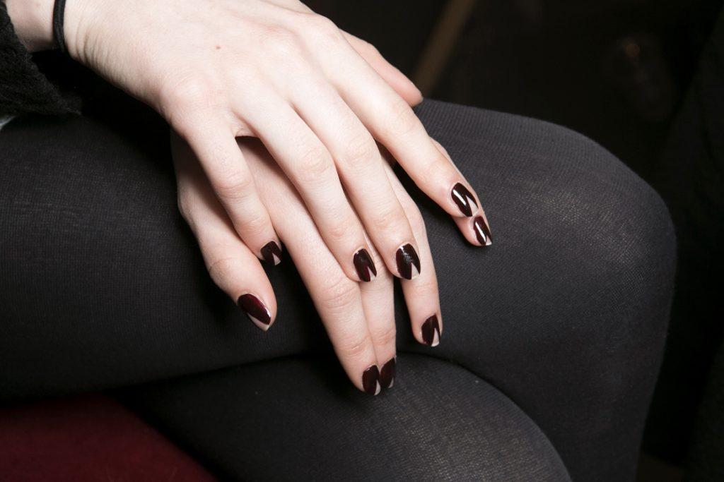 nail màu đen