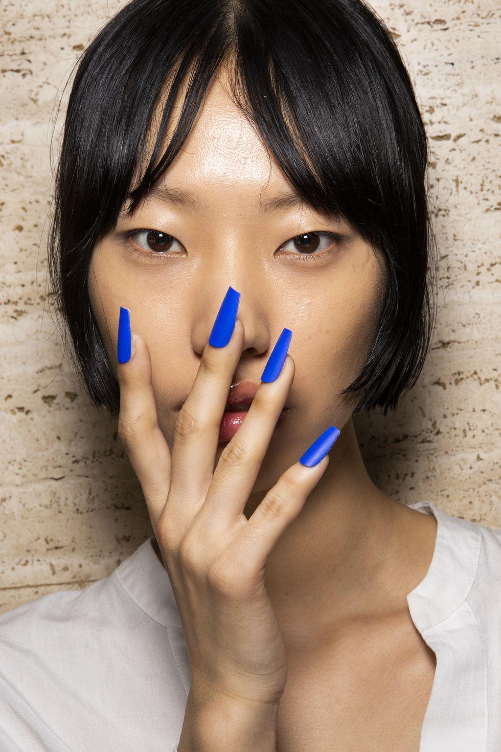 màu nail xanh coban