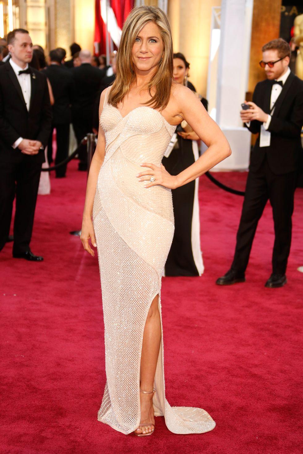 thời trang Jennifer Aniston ở Osscar 2015
