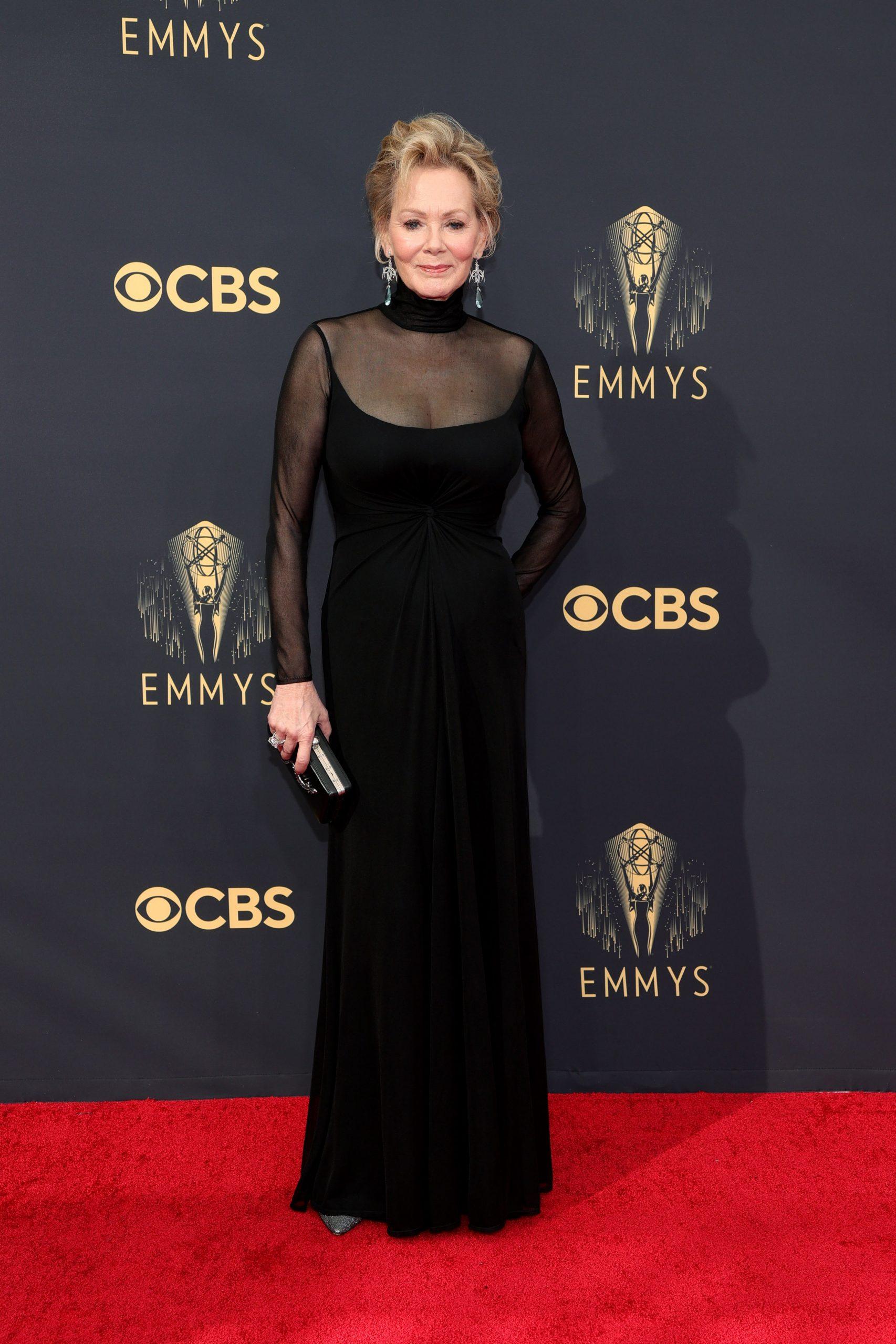 Jean Smart thảm đỏ Emmy 2021