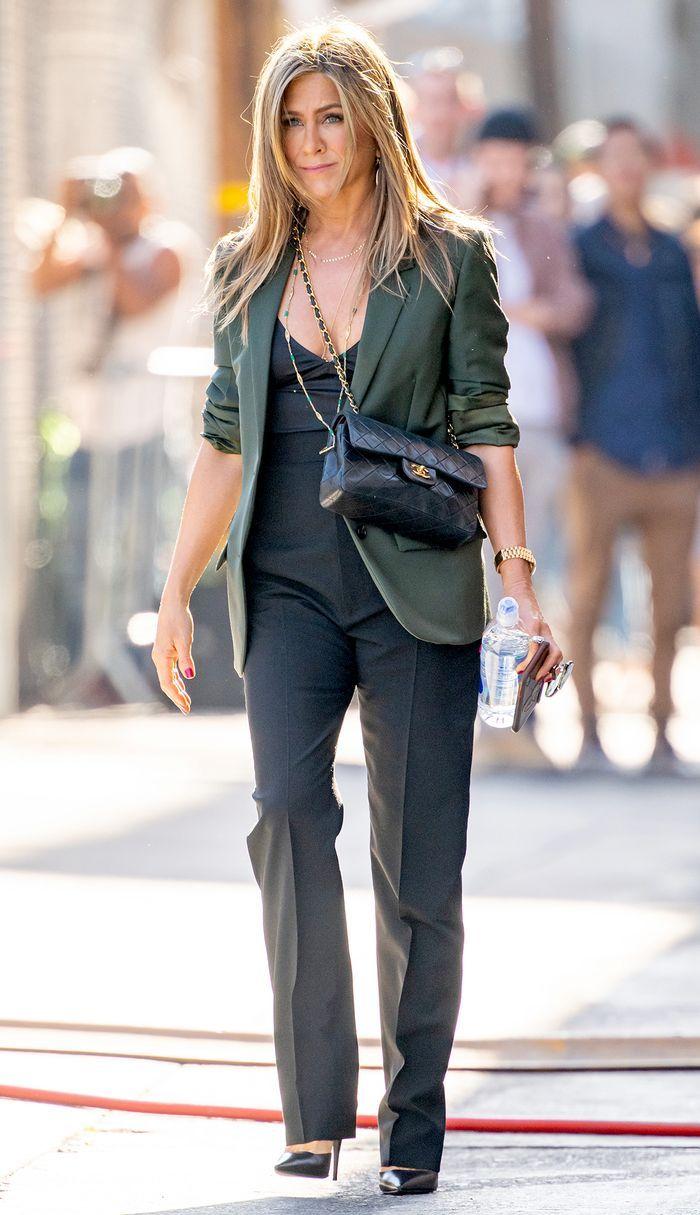 Jennifer Aniston thời trang đường phố