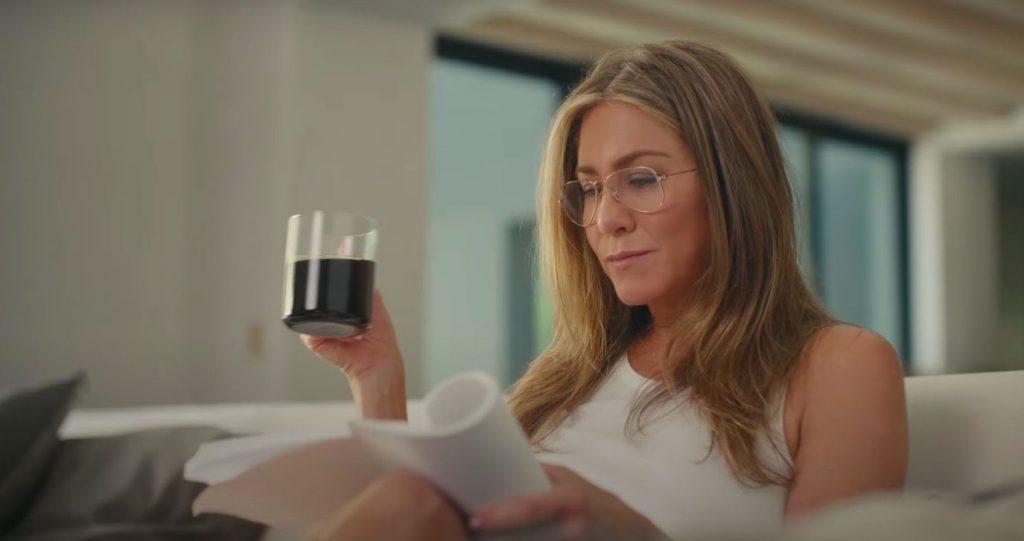 Jennifer Aniston thường uống sinh tố vào bữa sáng.