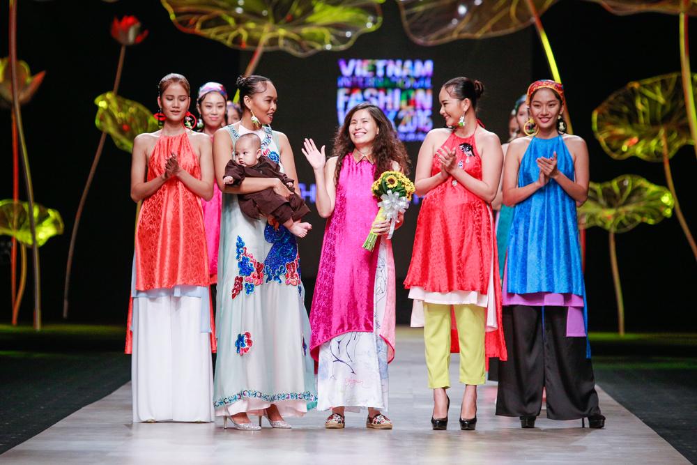 Show diễn Viên Mãn Thuy Design House