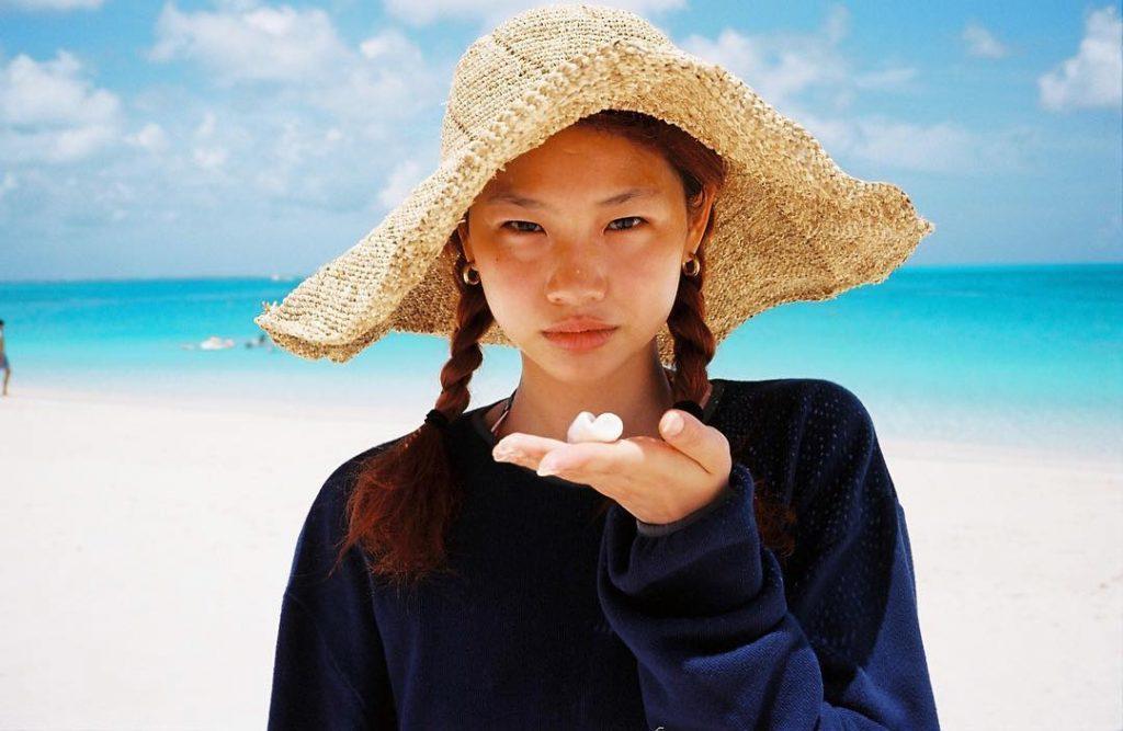 Siêu mẫu Jung HoYeon vụt sáng thành minh tinh điện ảnh sau khi Squid Game ra mắt.