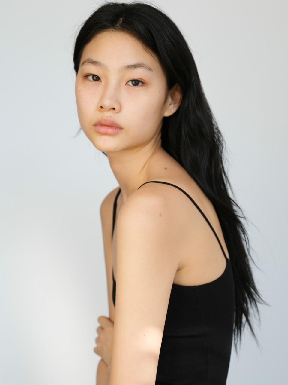 Sao nữ Squid Game Jung HoYeon.