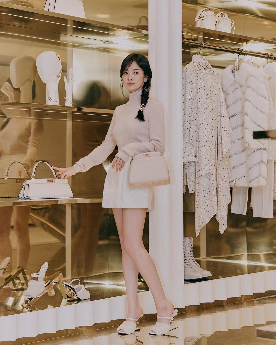 Song Hye Kyo fendi store