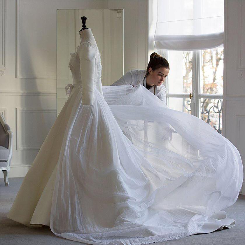 Váy cưới Song Hye Kyo