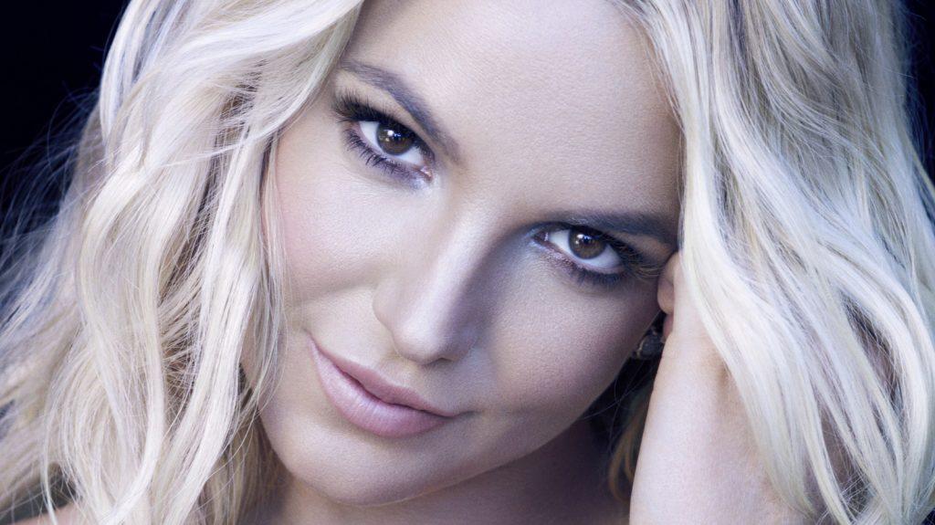 Britney Spears eyeliner.