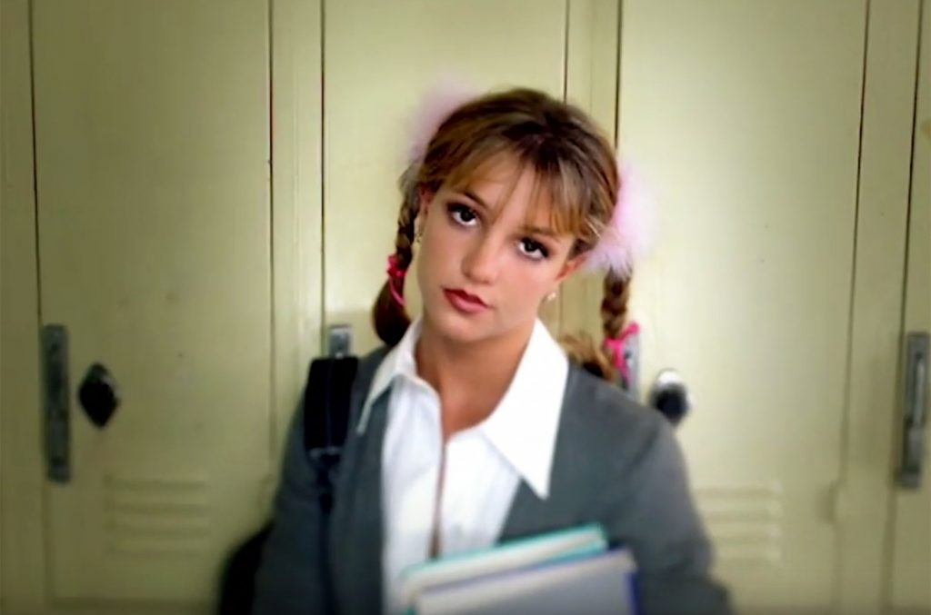 Britney Spears trong MV Baby One More Time