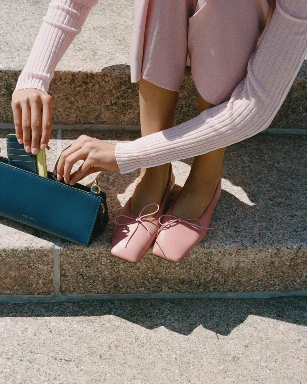 giày mũi vuông đính nơ