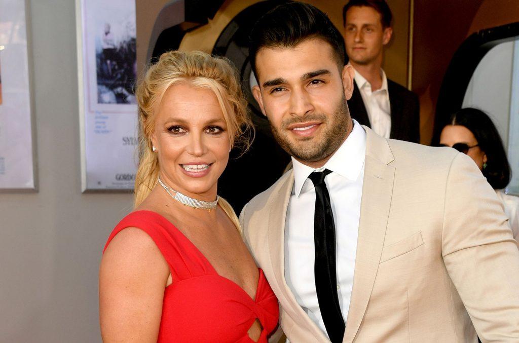 Britney Spears và bạn trai