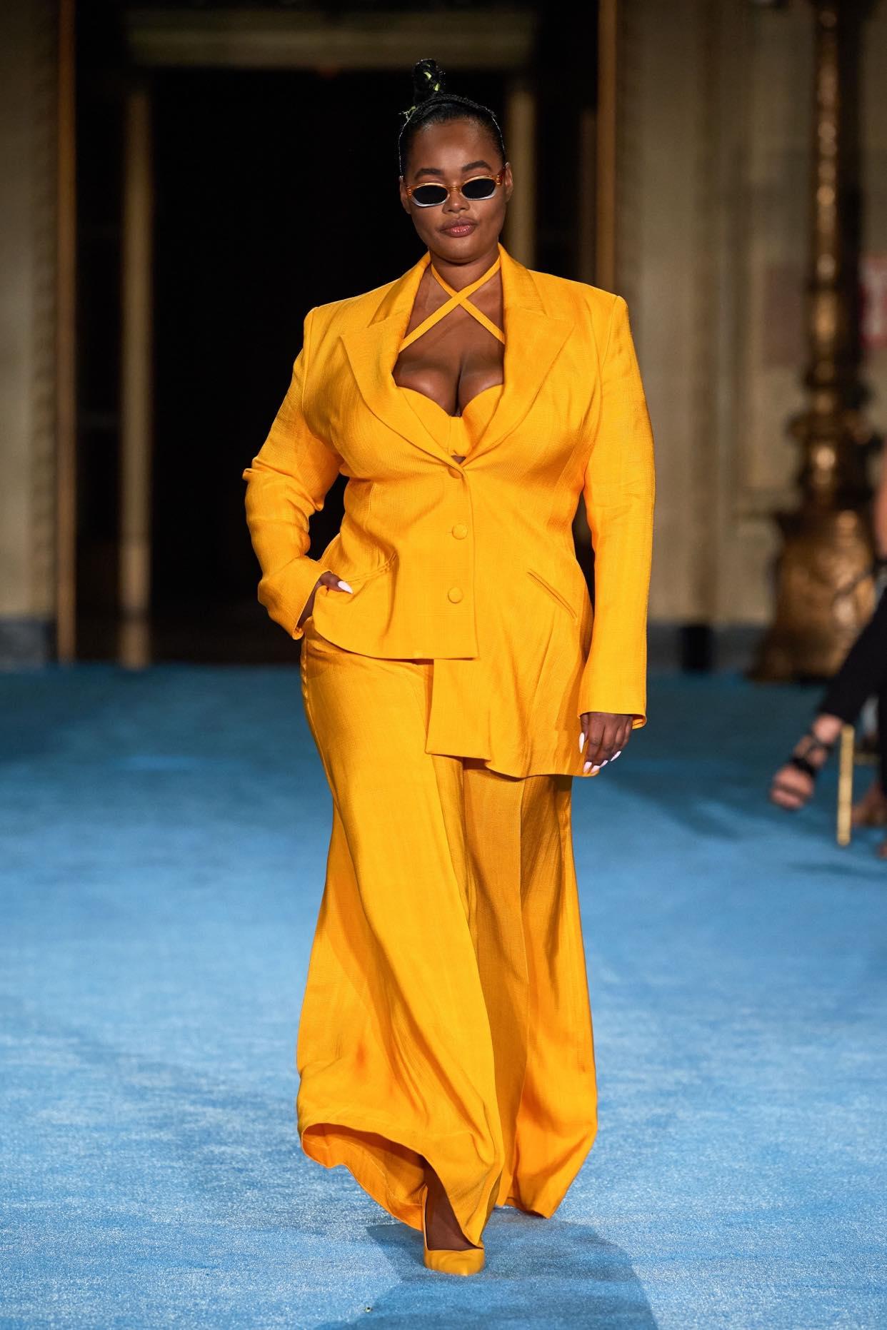 Christian Sirano thời trang xuân hè 2022 look1