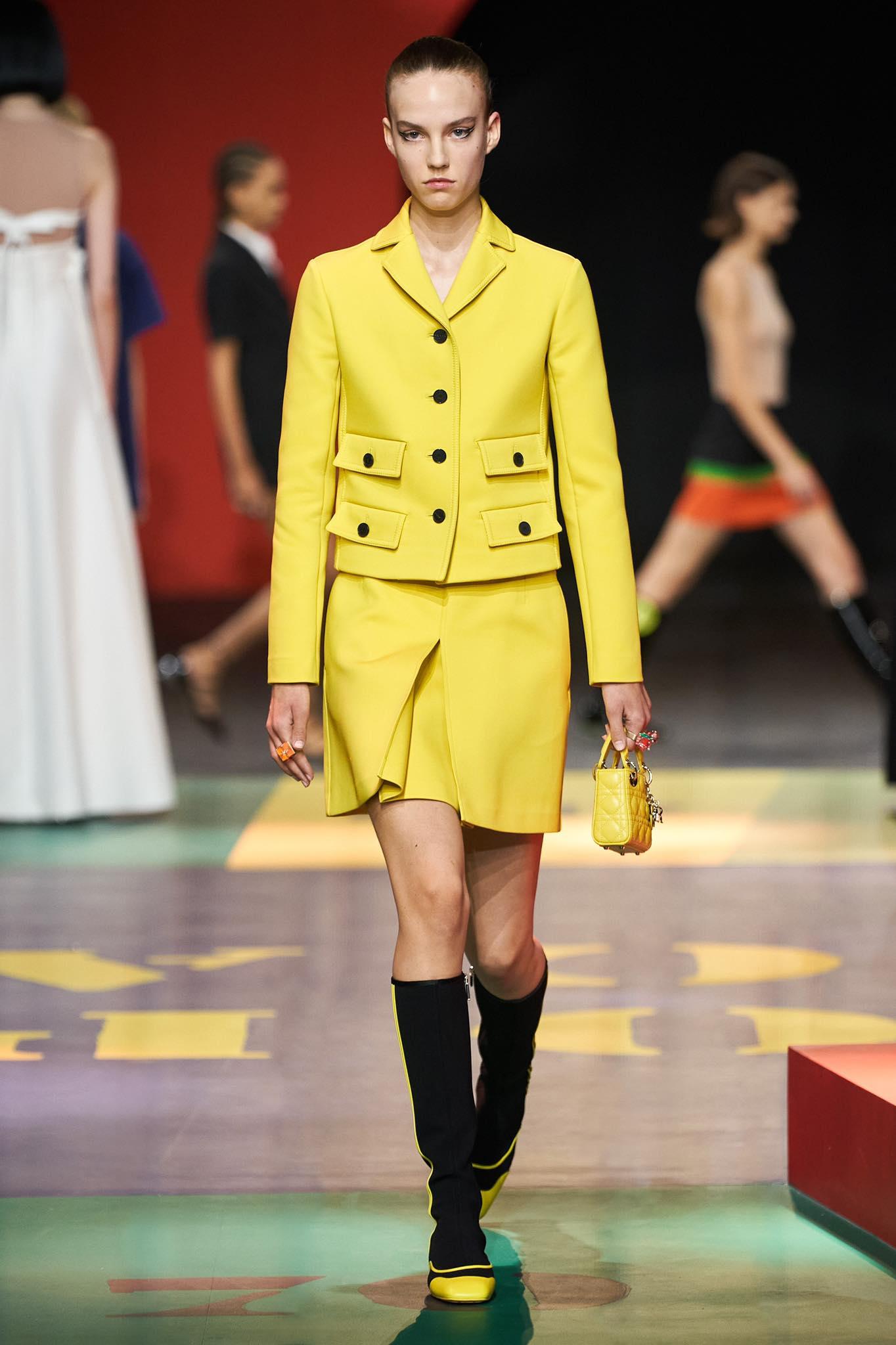 Dior xuân hè 2022 look2