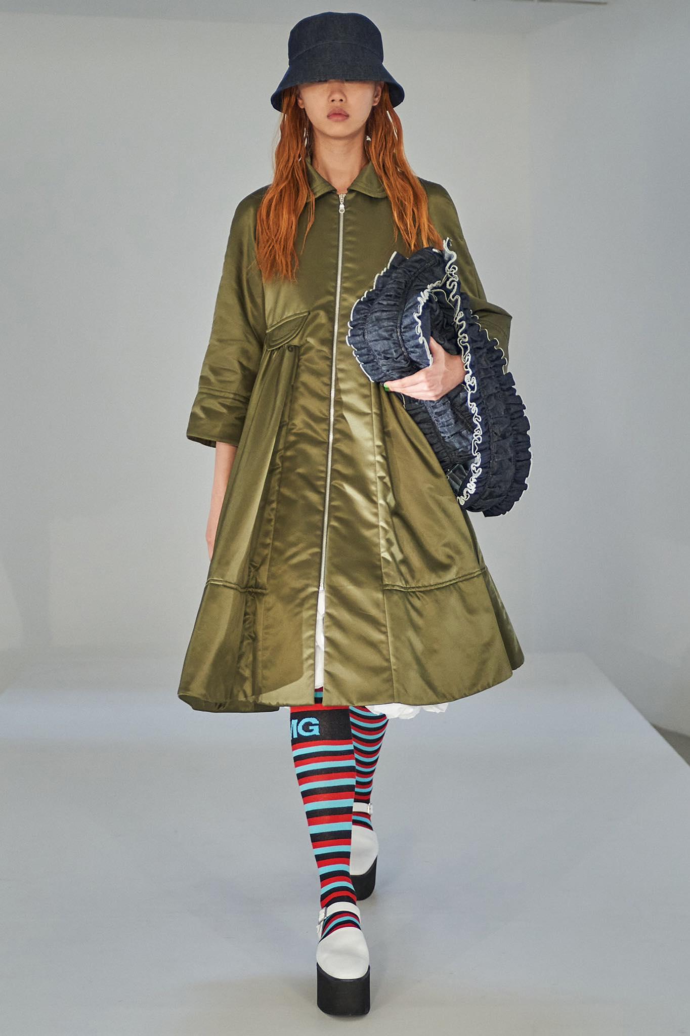 Goddard thời trang xuân hè 2022 look2