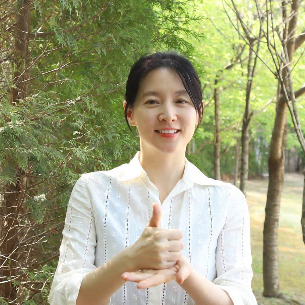 Lee Young Ae và làn da không tỳ vết