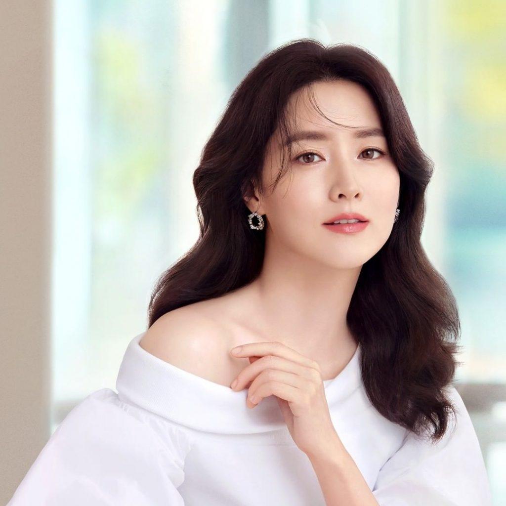 Lee Young Ae vẻ đẹp không tuổi