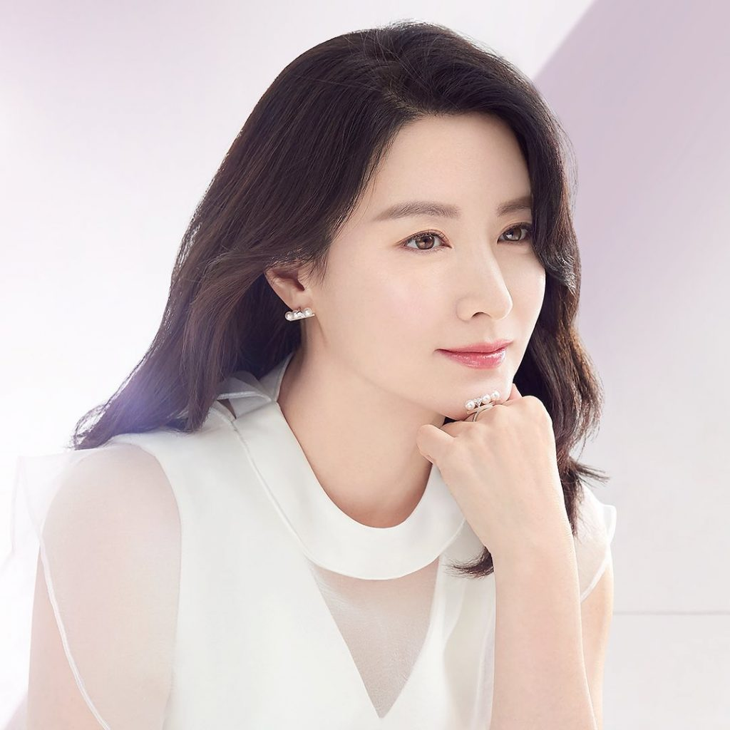 Nhan sắc của Lee Young Ae